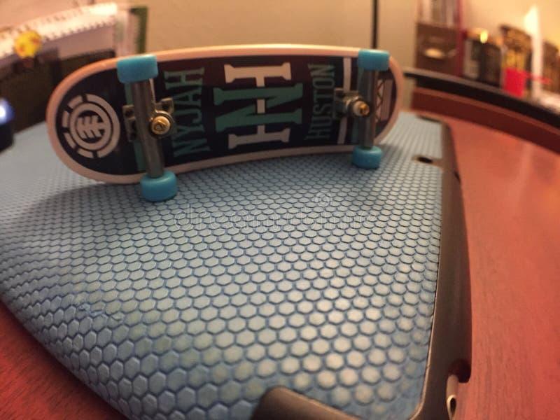 Elementtechnologieplattform-Skateboard Fingerboard stockbild