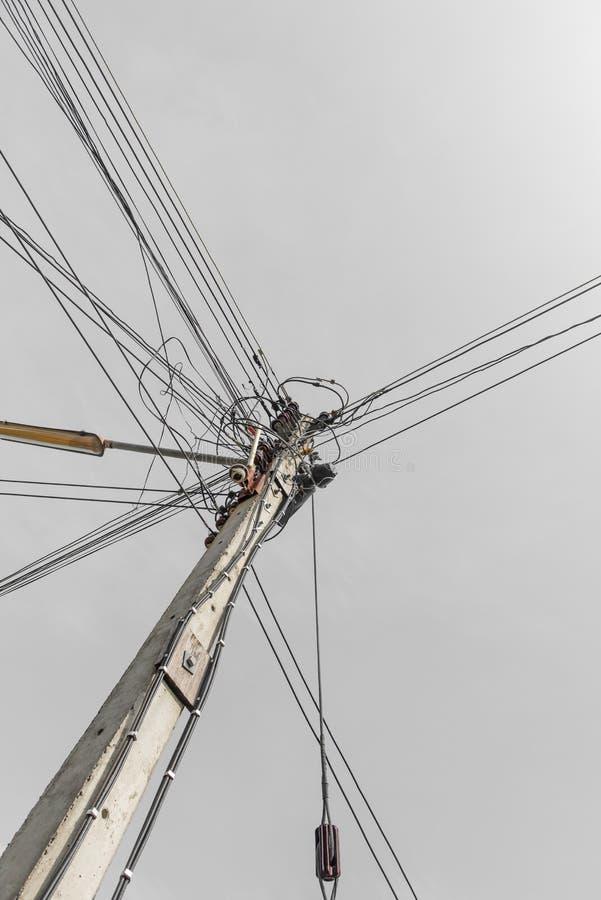 Eletricidade da linha elétrica imagens de stock