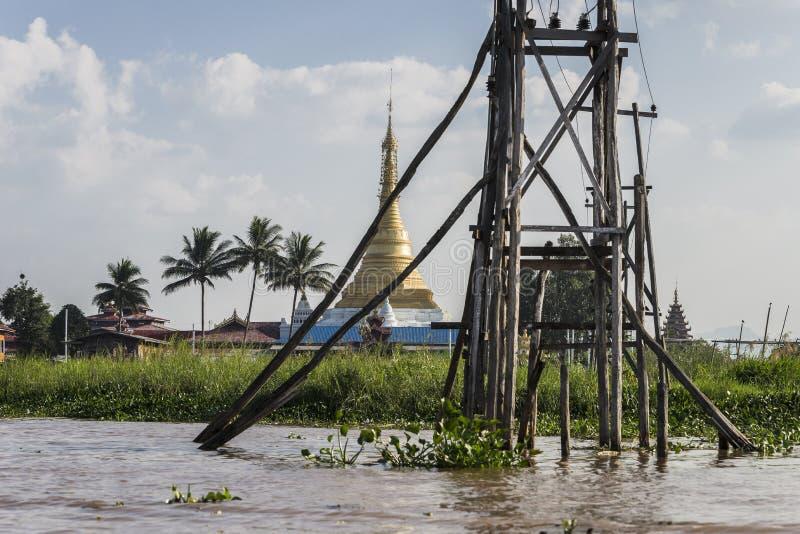 Elettricità sul lago Inle immagine stock libera da diritti
