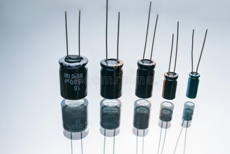 Elettrodo elettrico bipolare della componente dei condensatori fotografia stock libera da diritti