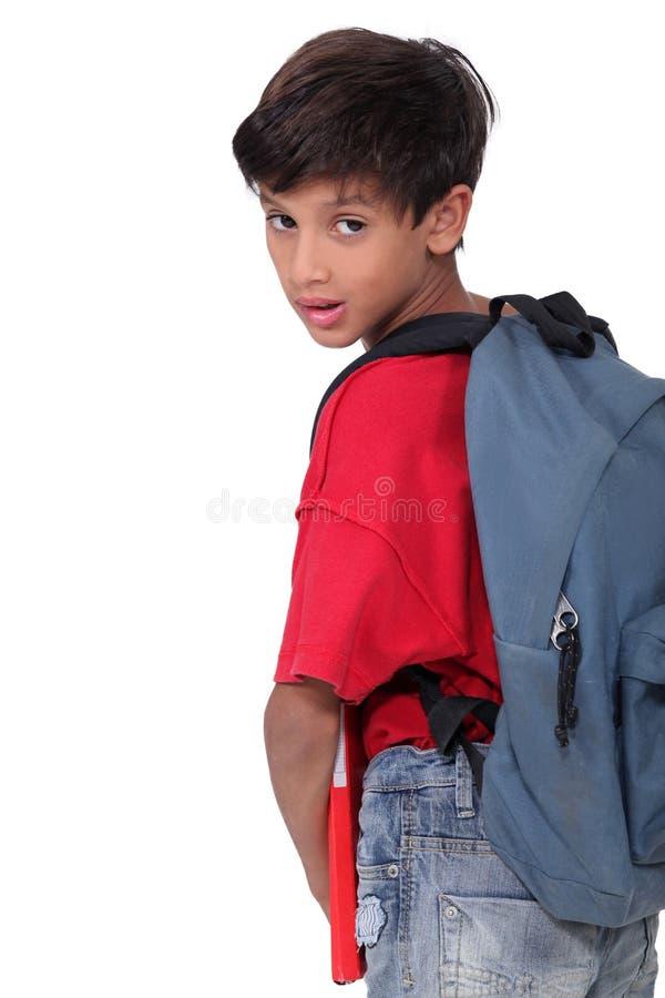 Elev med ryggsäcken royaltyfri fotografi