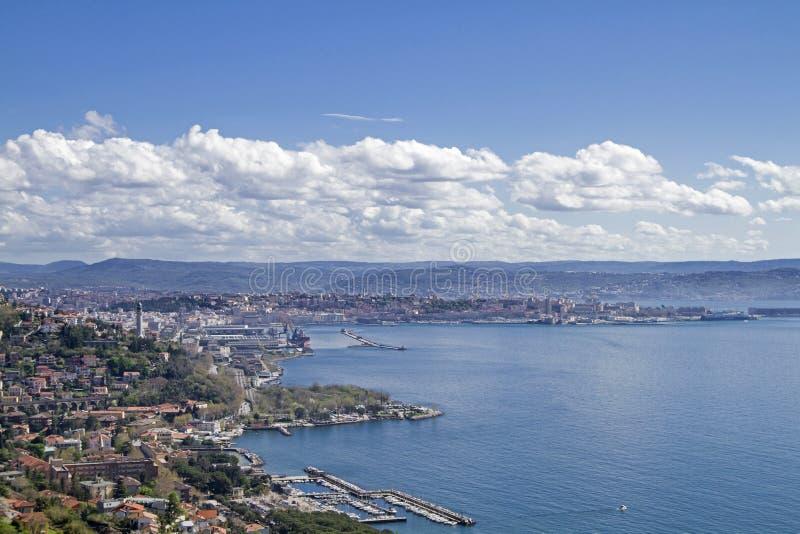Elevação do ponto de vista acima de Trieste imagens de stock