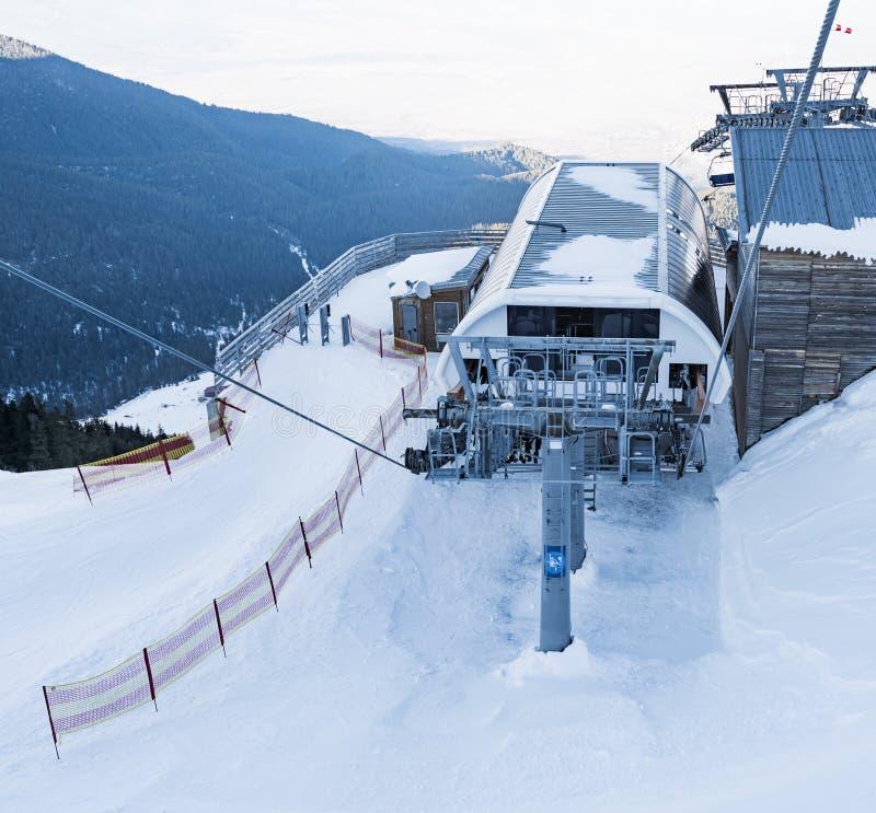 Elevación de silla para esquiar fotografía de archivo