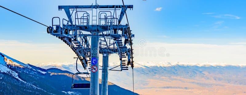 Elevación de silla para esquiar imagenes de archivo