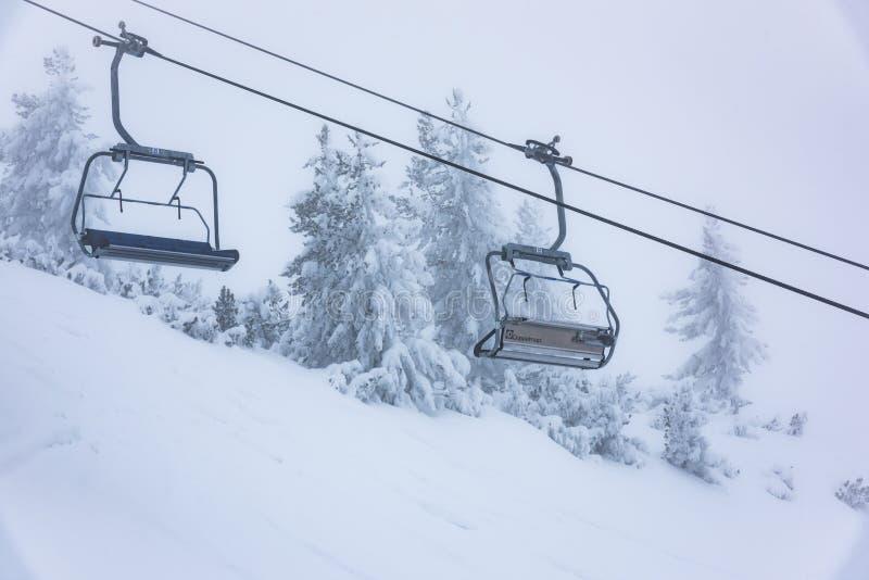 Elevación de silla para esquiar imagen de archivo libre de regalías