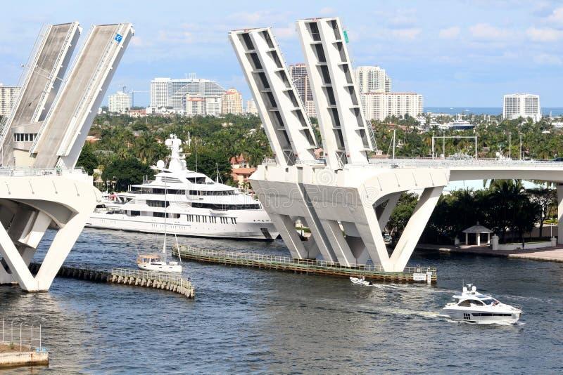 Elevación del puente del Fort Lauderdale fotos de archivo