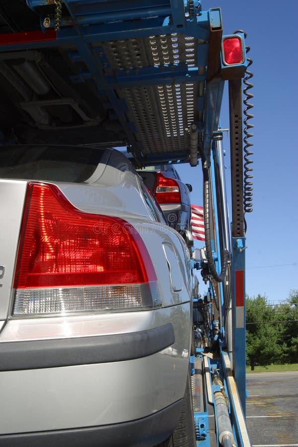 Elevación y transportador del coche imagenes de archivo