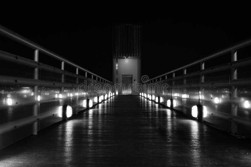 Elevador Boca do Vento Almada Portugal Noite Preto e branco B&W cena noturna Noite fotografia de stock royalty free