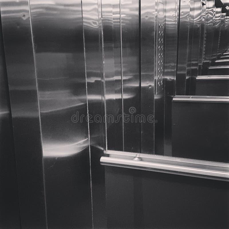 Elevador. De espejos stock images
