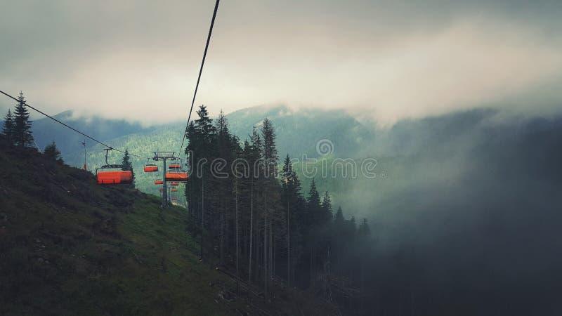 Elevador de esqui em montanhas Tetra fotos de stock royalty free