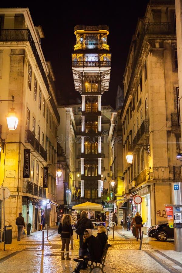 Elevador de Santa Justa στη νύχτα στοκ φωτογραφίες με δικαίωμα ελεύθερης χρήσης