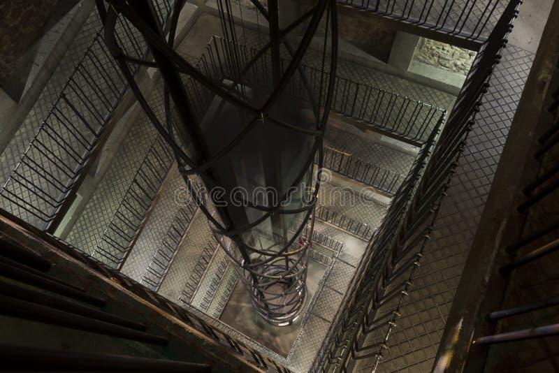 Elevador extremamente moderno dentro do pulso de disparo astronômico em Praga fotografia de stock royalty free
