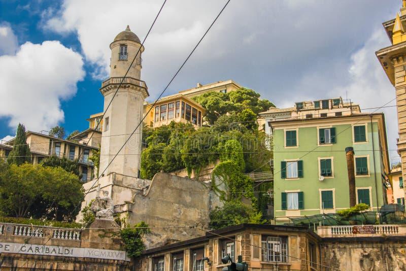 Elevador para levantar no Belvedere Montaldo, Castelletto Spiano fotografia de stock