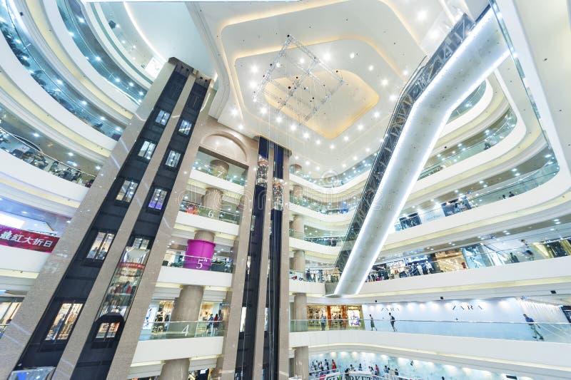 elevadores, vidro e metal imagem de stock royalty free