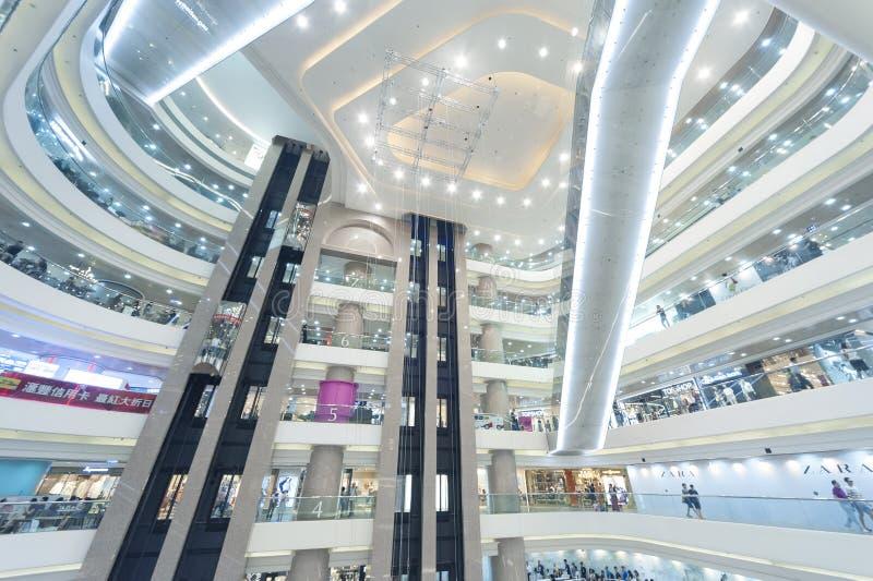 elevadores, vidro e metal foto de stock royalty free