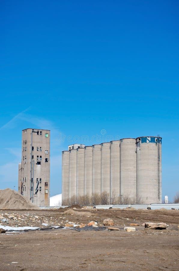 Elevatore e silos di grano abbandonati a Minneapolis fotografie stock libere da diritti