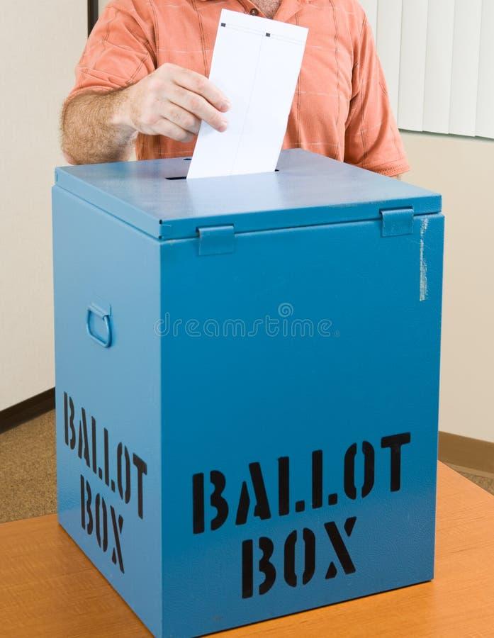 Elezione - scheda elettorale del pezzo fuso fotografia stock