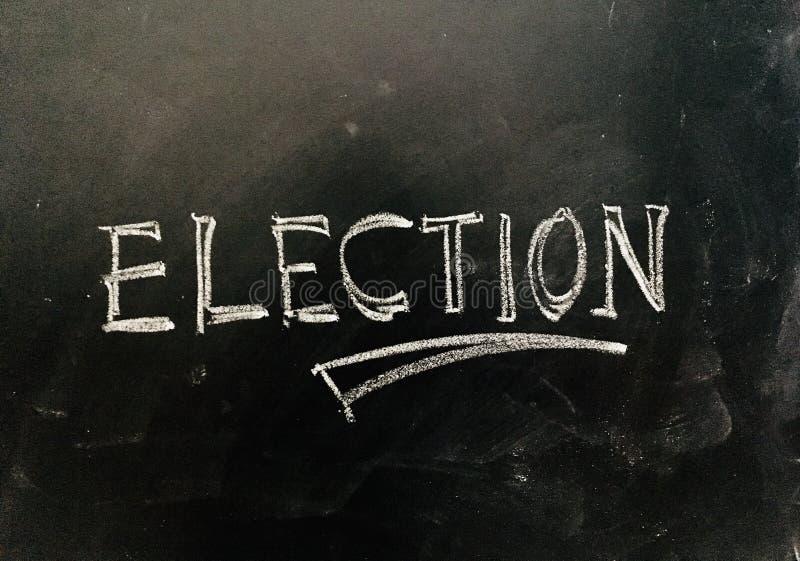 Elezione scritta a mano sulla lavagna fotografie stock