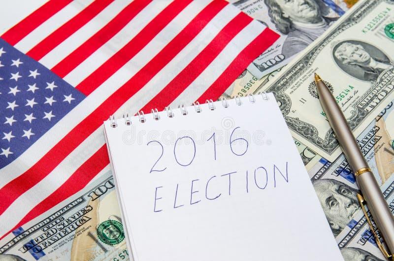 Elezioni presidenziali con la bandiera americana ed i soldi fotografie stock libere da diritti