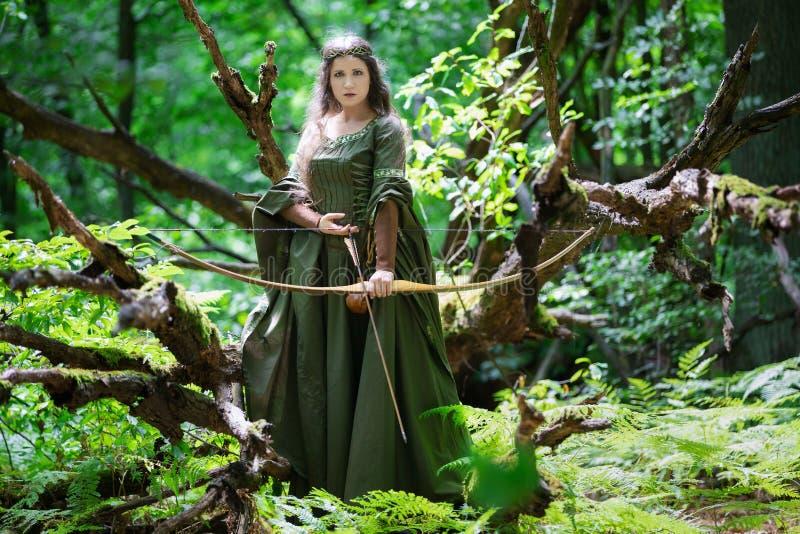 Elf łuczniczka z łękiem obrazy royalty free