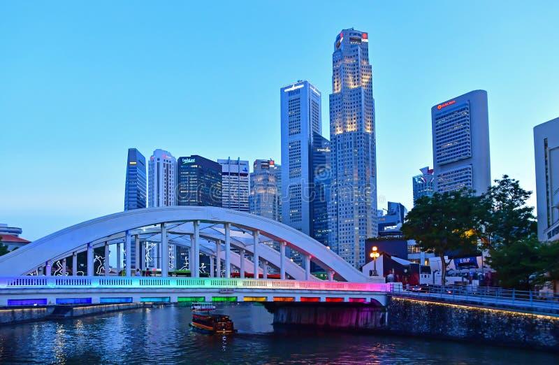 Elgin Bridge, Singapur, während des frühen Abends stockfoto
