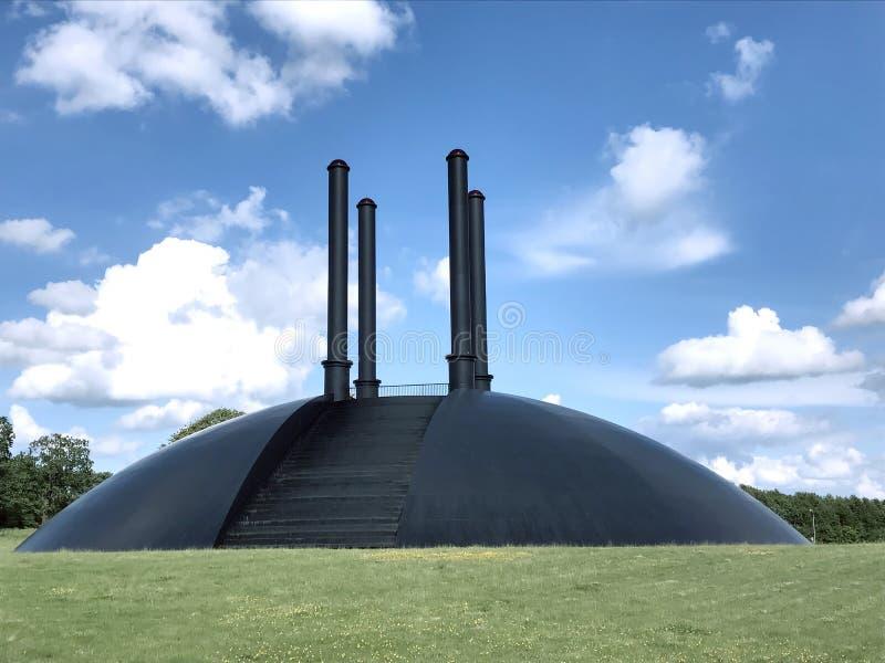 Elia-skulptur-Birk i Herning, Danmark royaltyfri bild