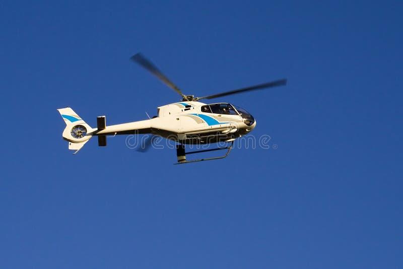 Download Elicottero fotografia stock. Immagine di cielo, veloce - 200096