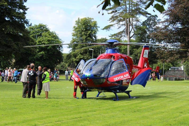 Elicottero dell'aereo ambulanza nel parco Tavistock fotografia stock libera da diritti