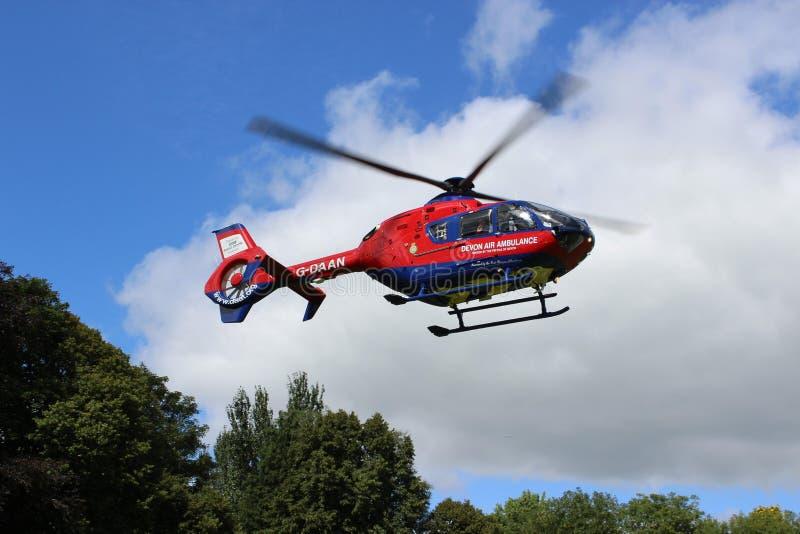 Elicottero Devon Waving Goodbye dell'aereo ambulanza fotografia stock libera da diritti
