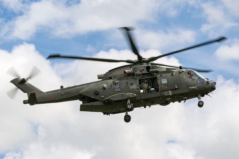 Elicottero medio di utilità dell'ascensore di Royal Air Force RAF AgustaWestland Merlin HC3 EH-101 ZK001 fotografie stock libere da diritti