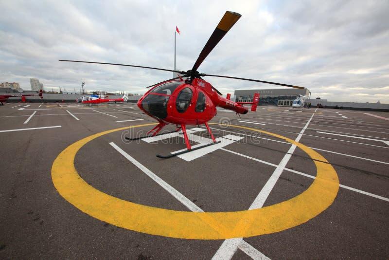 Elicottero Privato : Elicottero privato di md su un tetto del centro