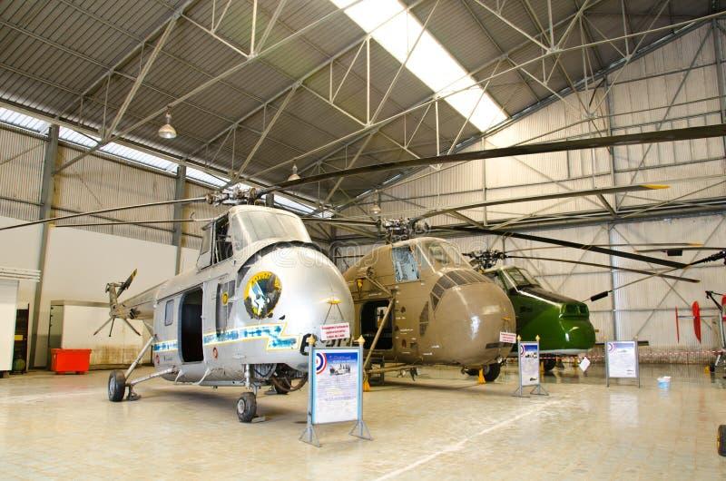 Elicottero sul museo tailandese reale dell'aeronautica fotografia stock libera da diritti