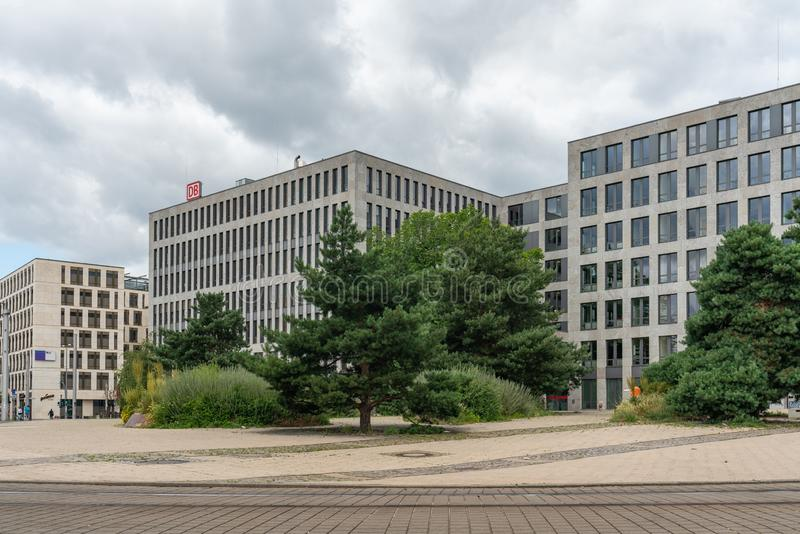Elisabeth-Schwarzhaupt-Platz, Berlin, Allemagne - 7 juillet 2019 : façade des bâtiments de Nordbahnhof Carre images stock