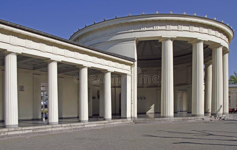 Elisenbrunnen классическое здание в городе Аахен стоковая фотография rf