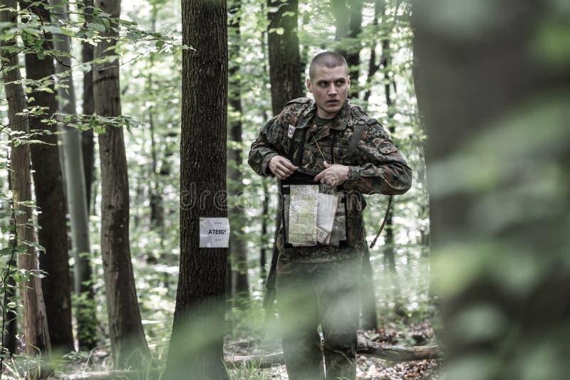 Elita wyzwanie - szkolenie wojskowe, rywalizacja cywile fotografia stock