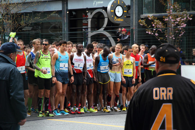 Download Elite Racers Start Line At Vancouver Sun Run Editorial Photo - Image: 30563136
