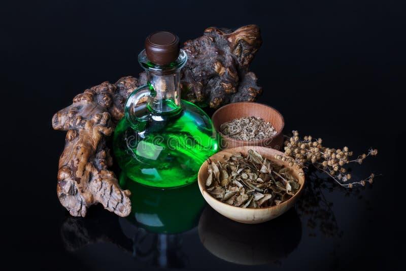 Elixir mágico, ervas fotos de stock royalty free