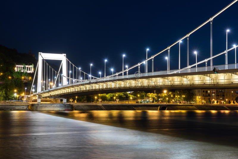 Elizabeth Bridge image stock