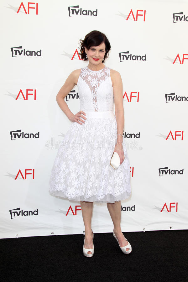Download Elizabeth McGovern Arriving At The AFI Life Achievement Award Honoring Shirley MacLaine Editorial Photo - Image: 25685906
