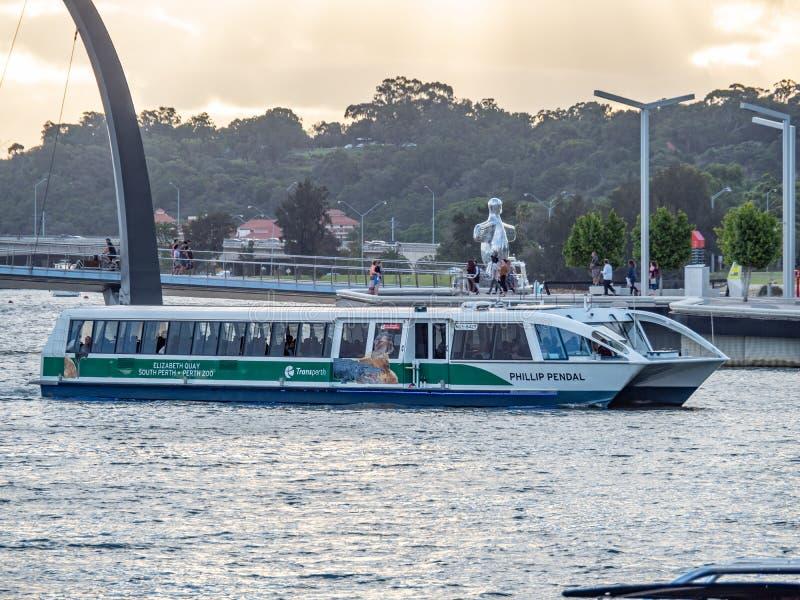 Elizabeth Quay en Perth WA es una atracción turística donde usted puede coger un transbordador a Perth del sur, imagen de archivo