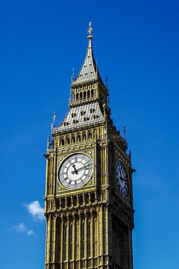 Elizabeth Tower och Big Ben royaltyfria bilder