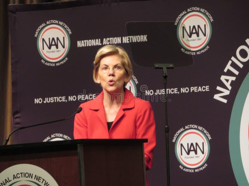 Elizabeth Warren op de Nationale Conferentie van het Actienetwerk stock afbeelding