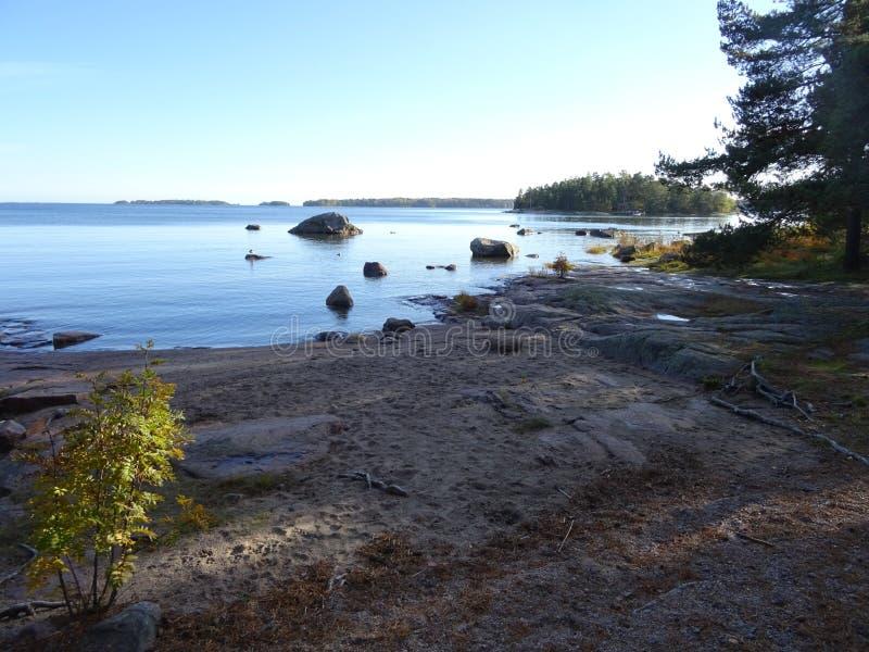 Elke herfst komt het, de kleuren en het is gemeenschappelijk hier in archipel van Finland royalty-vrije stock afbeeldingen