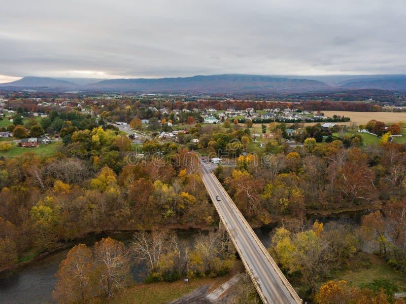 Elkton, Shenandoah的v弗吉尼亚小镇的天线  图库摄影