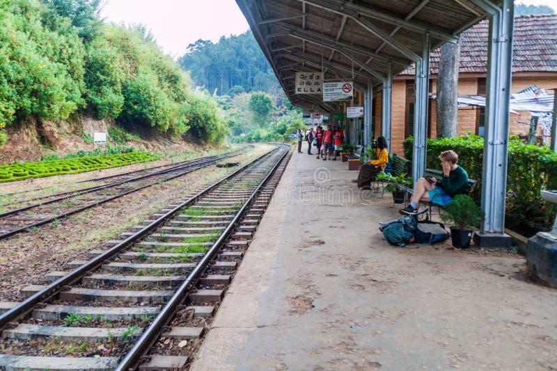 ELLA, SRI LANKA - 15 JUILLET 2016 : Gare ferroviaire dans le villag d'Ella photo libre de droits