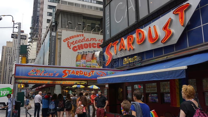 Ellens Stardust matställe i Times Square, New York royaltyfri fotografi