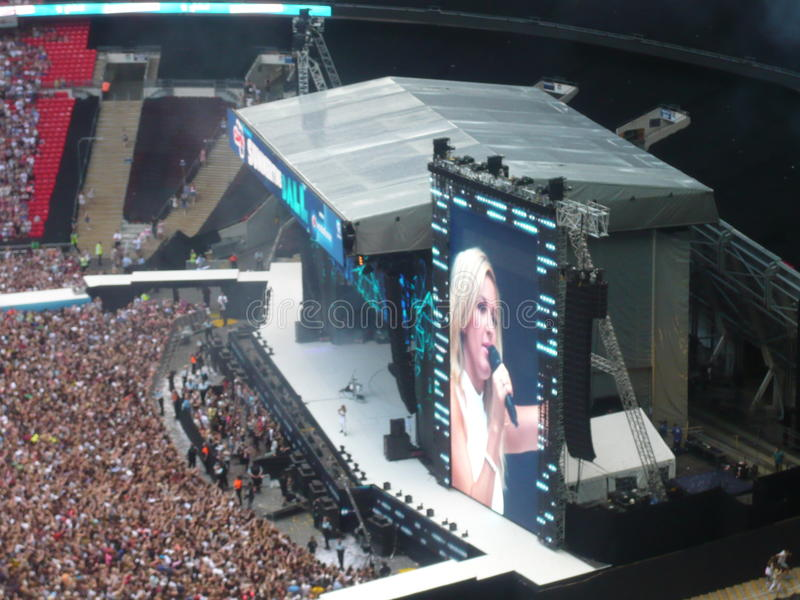 Ellie Goulding in Wembley stock afbeelding