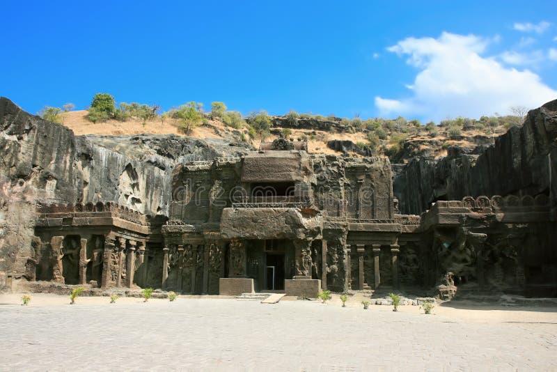 Ellora Felsen geschnitzter buddhistischer Tempel stockbilder
