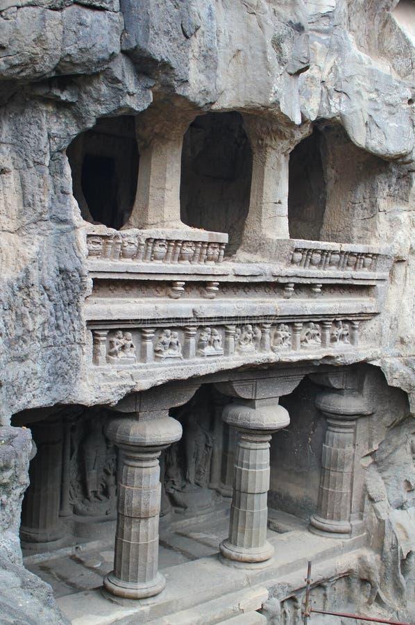 Ellora grottor, den forntida hinduiska stenen sned templet, grottan inga 16, Indien royaltyfria bilder