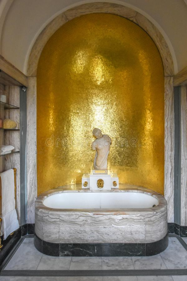 Free Eltham Palace Virginia `Ginie` Courtauld Bathroom London Stock Images - 167678784